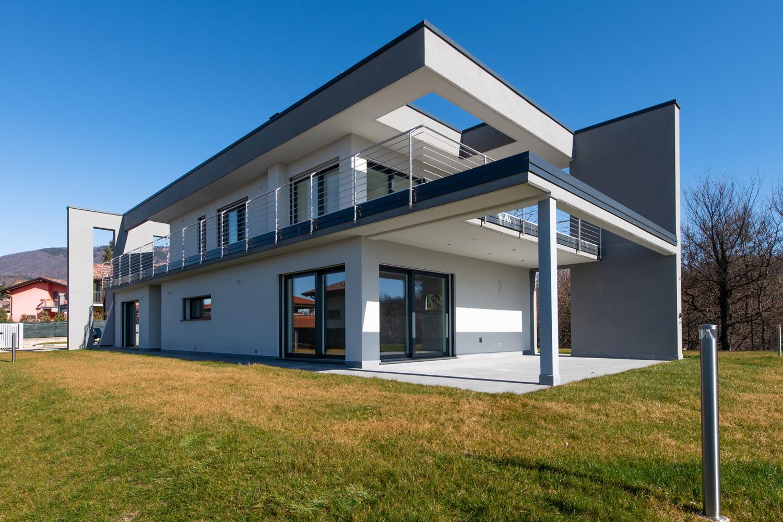 Acquistare una casa nuova o da ristrutturare: differenze, vantaggi e svantaggi.
